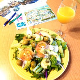 Salad with Orange Juice